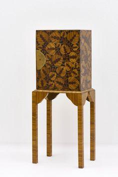 Rosa Krenn eine Studentin von Josef Hoffmann entwarf diesen einigartigen Zierschrank 1912. Für die Ausstellung DIE FRAUEN DER WIENER WERKSTÄTTE (27.5. – 20.9.2020) sind wir auf der Suche nach weiteren Informationen: biografische Daten, Lebensereignisse, persönliche Geschichten, Bild- und Textmaterial oder noch unbekannte Werke. Wenn Euch etwas einfällt, meldet Euch bitte unter frauenderww@MAK.at Art Nouveau, Art Deco, Hoffmann, Table, Furniture, Home Decor, Pink, You're Welcome, Searching