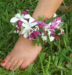 Hawaiian Anklet. Would love one of these if we elope to Hawaii