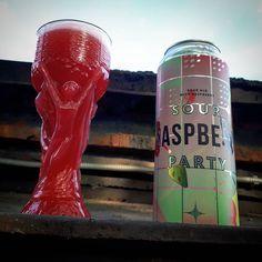 #SourRaspberryParty by #StammBeer . Ух. Еблет можно поморщить. Вкуснотища . #sour #beer #beers #beerme #beerart #beerfan #beerporn #beerpong #beerstagram #beergeek #beernerd #beergasm #beerstagram #instabeer #craft #craftbeer #cerveza #bier #пиво #birra #beerlover #ale