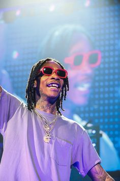Wiz Khalifa's Dazed & Blazed Tour hit the DTE Energy Music Theatre this weekend and the timing couldn't be any more perfect with the recent release of Rolling Papers Wiz… Maroon 5 Lyrics, Hip Hop Classics, Cute Rappers, Famous Movie Quotes, Hip Hop And R&b, Music Theater, Wiz Khalifa, Big Sean, Rap Quotes