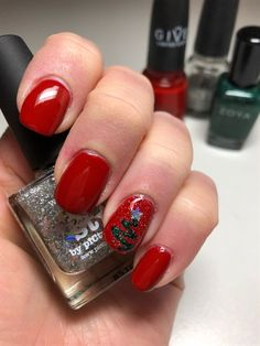 Christmas Mani by tmjmb from Nail Art Gallery