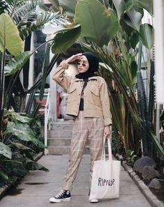 Style hijab casual 2018 Ideas for 2019 Modern Hijab Fashion, Hijab Fashion Inspiration, Muslim Fashion, Trendy Fashion, Fashion Looks, Fashion Outfits, Fashion Fashion, Fashion 2020, Luxury Fashion