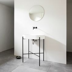 Defined by a minimal and monochrome material palette of different grey tones, our co-founder and partner, Jonas Bjerre-Poulsen, recently finished a new bathroom in the basement of his Vedbæk home north of Copenhagen. The interior features the Stand bathtub and zink that we designed for @ext_design, fixtures by Vola and beautiful large Gent Kronos floor tiles. #bathroom #naturalmaterials #normarchitects