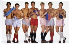I love that this is a thing :D hot guys knitting