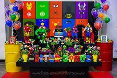 Festa Super-Heróis do Heitor 4 Superhero Birthday Cake, Avengers Birthday, Pokemon Birthday, Boy Birthday, Iron Man Party, Superhero Party Decorations, Batman Party, 3rd Birthday Parties, First Birthdays