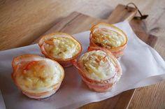 Instagram media by konchi313 - 朝ごはん☺︎めっちゃうまいの作ってしもうたー。なんちゃってベーコンエッグパン。マフィン型使って、ベーコンぐるっと、下に厚めの食パンを丸くくり抜いたやつ敷いて、卵落としてチーズぱらり。オーブンで10分。味付けはベーコンの塩気があるので軽く塩胡椒。間違いない組み合わせ✨うまー😋な朝ごはんでした! #リノベーション#リノベ#マイホーム#自宅#住宅#家#おうち#我が家#暮らし#朝ごはん#おうちごはん#なんちゃってパン#ベーコンエッグ#チーズ#マフィン型#パン#嫁ごはん