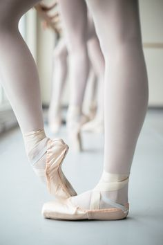 #LifeOfADancer: Breaking in pointe shoes. Artists of the Ballet in pointe shoes. Photo by Karolina Kuras.