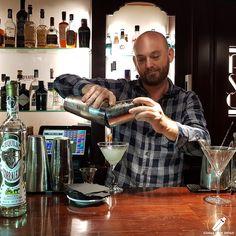 """Y ya casi lista esta deliciosa """"Margarita""""del bartender Alfonso Dolz .    #CopasConEstilo #Bartender #Cocktail #Coctelería #Cóctel #Cócteles #Madrid #CóctelesEnMadrid Madrid, Fictional Characters, Fantasy Characters"""