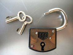 Great Vintage Lock by uhlalalebrocantage on Etsy, €8.00