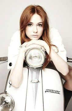 Nice photo set of Karen Gillan, the Scottish actress who played the Doctors glamorous and feisty assistant Amy Pond in the cult sci-fi series. Discovered on this Czec… Vespa Girl, Scooter Girl, Karen Gilan, Karen Sheila Gillan, Pretty Redhead, Redhead Art, Mod Girl, Hottest Redheads, Amy Pond