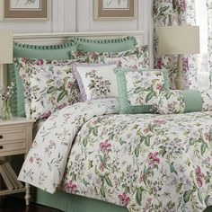 "Royal Heritage Home Williamsburg ""Palace Green"" 4 Piece Comforter Set Size: Ruffle Bed Skirts, Ruffle Bedding, Beautiful Bedding Sets, Beautiful Bedrooms, Bedroom Green, Master Bedroom, Quilt Sets, Comforter Sets, Luxury Bedding"