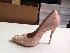 Click the link⬆Image of Shyzarsue classics goldspike*(pink color)