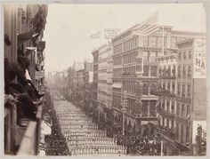 ca 1882 . Parade on Broadway north from Houston Street Nostalgic Pictures, Vintage Pictures, Old Pictures, Manhattan House, Manhattan Nyc, Houston Street, Frozen In Time, Vintage New York, Lower East Side