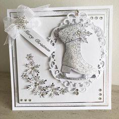Dies by Chloe - Snowflake Spray - - Dies by Chloe - Chloes Creative Cards Chloes Creative Cards, Creative Christmas Cards, Christmas Cards 2018, Christmas Card Crafts, Vintage Christmas Cards, Holiday Cards, Christmas Tables, Wedding Card Verses, Wedding Cards