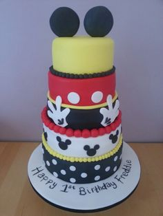 Mickey Mouse birthday cake by MOOSIE CAKES