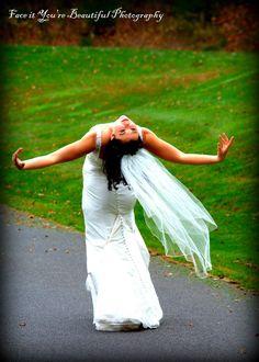 Faceityourebeautifulphotography.com  Fall bride, ballerina bride, bridal ideas, wedding photographers
