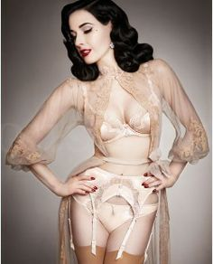 Star Lift - Push up BH - Follies by Dita von Teese #pushup #bh #ditavonteese