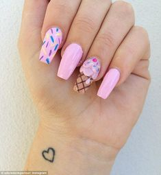 Ice Cream Nail Art Designs are fun art work for your nails that you can try during this autumn season with your colorful dresses. Diy Nails, Cute Nails, Food Nail Art, Ice Cream Nails, Bright Summer Nails, Summer Nails 2018, Nail Summer, Nagellack Design, Nails For Kids
