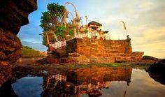 ali adalah yang paling terkenal dari ribuan pulau di kepulauan Indonesia. Sudah menjadi turis favorit selama puluhan tahun dan tentunya menjadi tujuan utama di Indonesia.