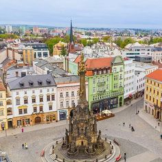 Beautiful square in #Olomouc , #Czech republic. Photo by @mikecleggphoto .#traveling #czechia #traveldeals . . . #olomouc #czechia #czechrepublic #town #travel #europe #photography #like  #follow #beautifulplaces #beautiful #architecture
