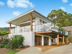 5 bedroom, 2 bathroom house in 14 Mountain Road, Austinmer NSW 2515 sold on View listing details on Domain Model House Plan, House Plans, Minimalist Architecture, Architecture Design, House Color Palettes, Victoria House, Modern Villa Design, Rest House, Steel House