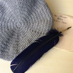 Scottish tam gray beret, outlander Dougal highlanders bonnet, pure cashmere mens hat, unique Christmas gift for husband. Outlander inspired by LAlabastroCreazioni on Etsy Christmas Gifts For Husband, Unique Christmas Gifts, Jamie Fraser, Beret, Hats For Men, Outlander, Crochet Hats, Highlanders, Pure Products
