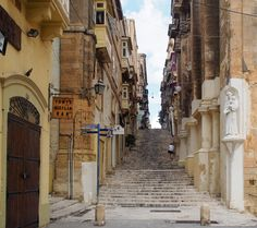 Exploring the backstreets of Valletta, Malta's laid back capital.