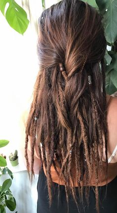 This is what I want and why I'm brushing out half of my dreads! - Frisuren - This is what I want and why I'm brushing out half of my dreads! Half Dreads, Partial Dreads, Pelo Rasta, Rasta Hair, Rasta Dreads, Dreadlock Extensions, Dreadlock Styles, Braid Extensions, Dreadlock Hairstyles