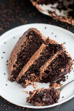 Simple Chocolate Cake With Whipped Chocolate Buttercream recipe -- perfection