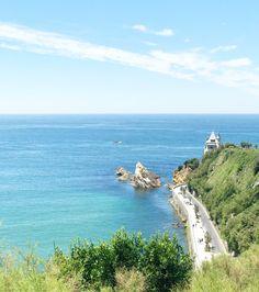 Biarritz la côte des basques  Vue sur l'océan Biarritz, Outdoor, Outdoors, Outdoor Games, Outdoor Life
