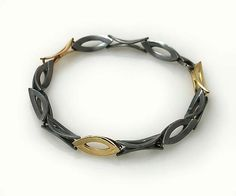 Marque Shaped Link Bracelet by Keiko Mita. From the artist's Moire Collection: the pattern that occurs naturally from overlapping grids. The 7.5