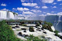 Cataratas del Iguazú, Argentina/Brasil http://www.southamericaperutours.com/