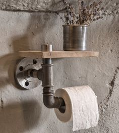 industrial rustic bathroom   industrial pipe toilet por eskidenvol2