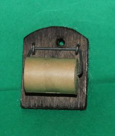 Vintage Dolls House Pit A Pat Toilet Roll Holder & Toilet Roll Ref KM239 | eBay