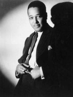 Duke Ellington (April 1899 – May was an American composer, pianist, and bandleader of a jazz orchestra, which he led from 1923 until his death in a career spanning over fifty years Ethel Waters, John Irving, Duke Ellington, Miles Davis, Jazz Musicians, Jazz Blues, Hollywood Fashion, Soul Music, African American History