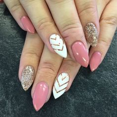 Stiletto nails pink gold and white