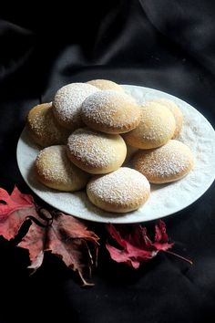 Biscuits au yaourt - du pain sur la planche.....ou nourrir sa tribu Cookie Recipes, Snack Recipes, Dessert Recipes, Tumblr Food, Cuisine Diverse, Friend Recipe, Party Food And Drinks, Biscuit Cookies, Chocolate Desserts