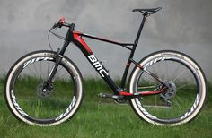 BMC with carbon brake disks. Downhill Bike, Mtb Bike, Road Bike, Cross Country Bike, Montain Bike, Bike Style, Cycling Bikes, Cool Bikes, Mountain Biking