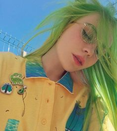 Preferred Hair Human Green Lace Front Wigs Straight Brazilian Human Hair Lace wigs for Women Green Wig, Green Lace, Neon Green Hair, Green Hair Colors, Hair Dye Colors, Hair Colorful, Tattoos Arm Mann, Natural Wigs, Aesthetic Hair