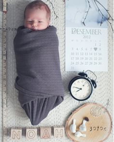 Love, love, LOVE this birth announcement photo! Sharing unique ways to share your baby with the world on #BabyZone today.