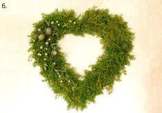 ekukka.fi | Havusydämen ohje Christmas Flowers, Christmas Diy, Christmas Wreaths, Christmas Decorations, Holiday Decor, Autumn Garden, Christmas Is Coming, Door Wreaths, Natural Materials