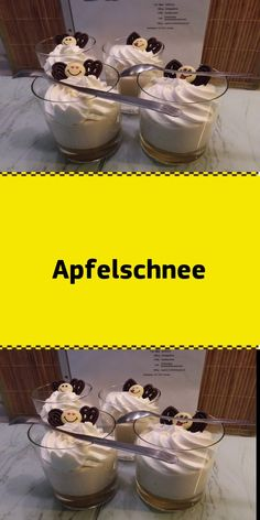 Apfelschnee - New Ideas - Apfelschnee Zutaten 1 kl. Glas Apfelmus 150 g Schlagsahne 1 Pkt. Holiday Desserts, Holiday Baking, Easy Cookie Recipes, Cake Recipes, Yogurt, Mousse, Pudding Desserts, Vanilla Sugar, Food Cakes