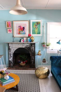 9 Shabby-Chic Living Room Ideas to Steal - Simple Studios Shabby Chic Lounge, Salon Shabby Chic, Bohemian Chic Decor, Shabby Chic Living Room, Shabby Chic Homes, Shabby Chic Furniture, Cozy Living, Diy Furniture, Living Room Color Schemes