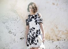 Nymphea high-low dress with bi-color foliage print an d cut-off shoulders with flouncy short sleeves | Anne Fontaine