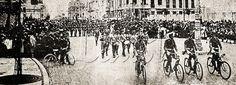 Batalhão da Sociedade de Tiro da cidade de Campos desfila em frente ao Palácio Monroe durante as comemorações de aniversário da Proclamaçào da República Brasileira em 15 de novembro de 1909.