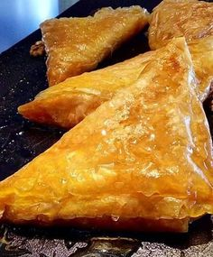 Make some yummy puff appetizers! Greek Sweets, Greek Desserts, Greek Recipes, Cake Mix Cookie Recipes, Cake Mix Cookies, How To Make Salad, Food To Make, Food Network Recipes, Cooking Recipes