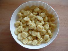 Bezlepkové bramborové noky Almond, Garlic, Beans, Gluten Free, Vegetables, Cooking, Glutenfree, Kitchen, Almond Joy