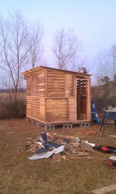 Step by step pictures of building a pallet coop