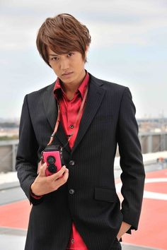 Toei has officially announced that Masahiro Inoue will be reprising his role as Tsukasa Kadoya / Kamen Rider Decade. Kamen Rider Wiki, Kamen Rider Series, Handsome Actors, Handsome Boys, Kamen Rider Decade, Marvel Entertainment, Destroyer Of Worlds, Photo Manipulation, Actors & Actresses