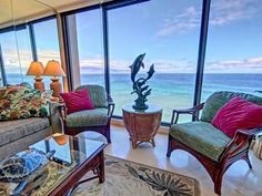 Mahana Resort #1017 Lahaina (Maui, Hawaii) Set in Honokowai, this air-conditioned apartment features free WiFi and a balcony. Mahana Resort #1017 features views of the sea and is 34 km from Paia.  The kitchen features a dishwasher and an oven and there is a private bathroom.